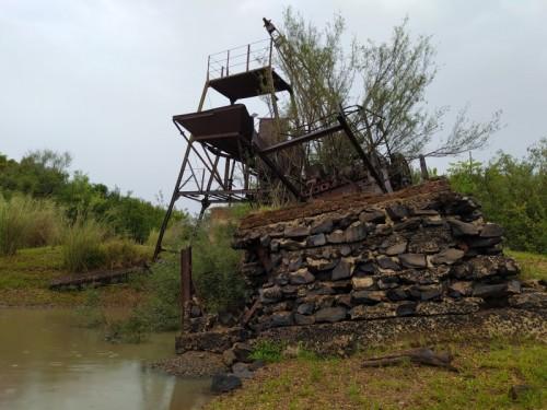 Maquina-antigua-que-se-utilizo-para-la-contruccion-del-Puente-Internacional-Paysandu-Colon.jpg
