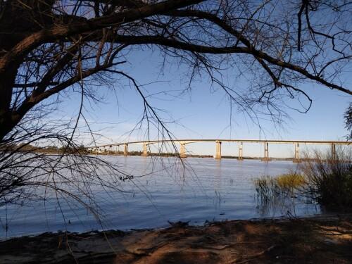 Puente-General-Artigas-que-une-Colon-Entre-Rios-con-Paisandu.jpg